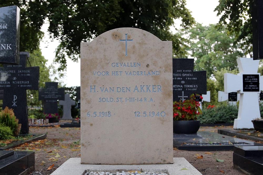Nederlands Oorlogsgraf Rooms Katholieke Begraafplaats Boerdonk