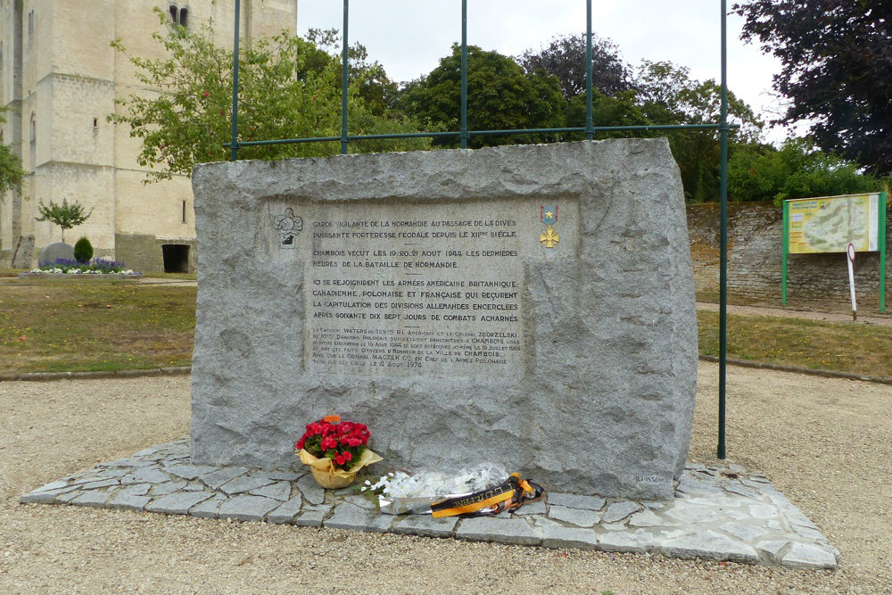 Monument Falaise Pocket Chambois