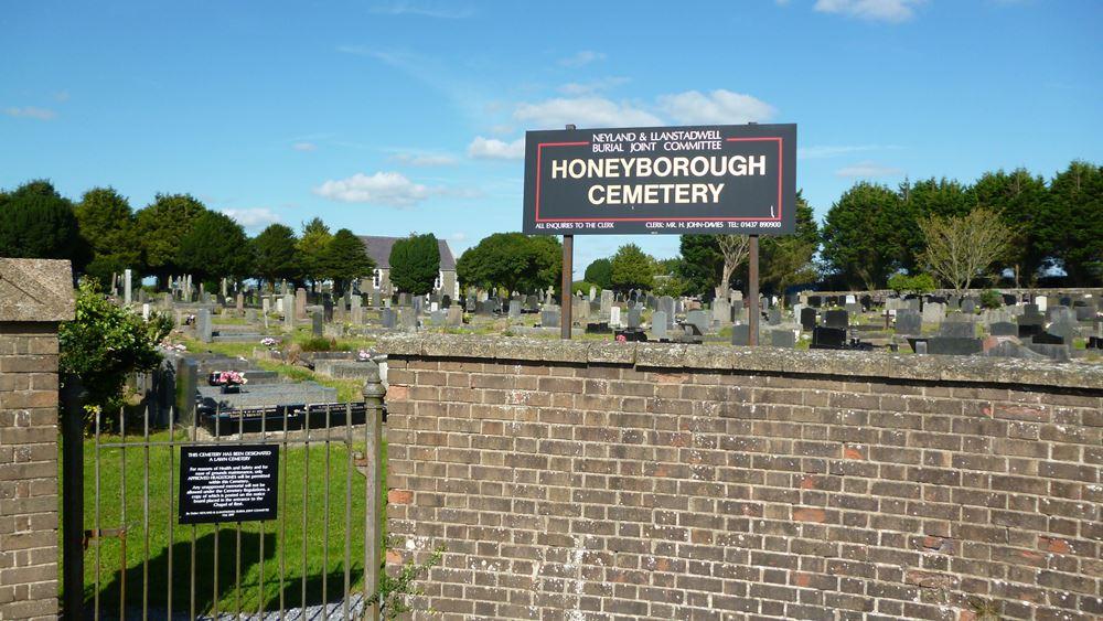 Commonwealth War Graves Honeyborough Cemetery