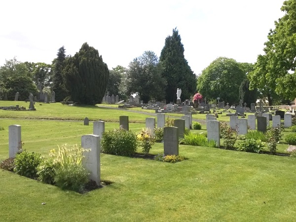 Commonwealth War Graves Rugeley Cemetery