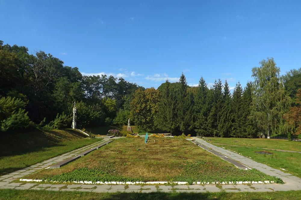Sovjet oorlogsbegraafplaats Khodoriv