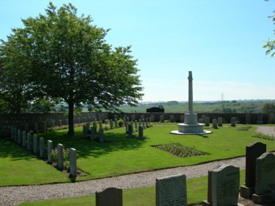 Commonwealth War Graves Dyce Old Churchyard