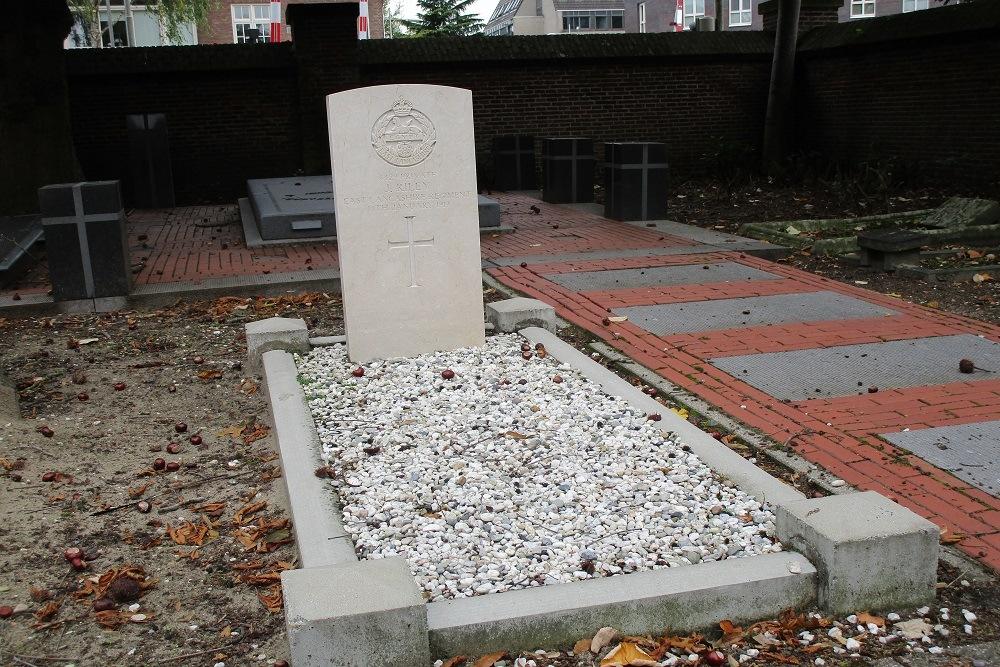 Oorlogsgraf van het Gemenebest Rooms Katholieke Begraafplaats Amersfoort