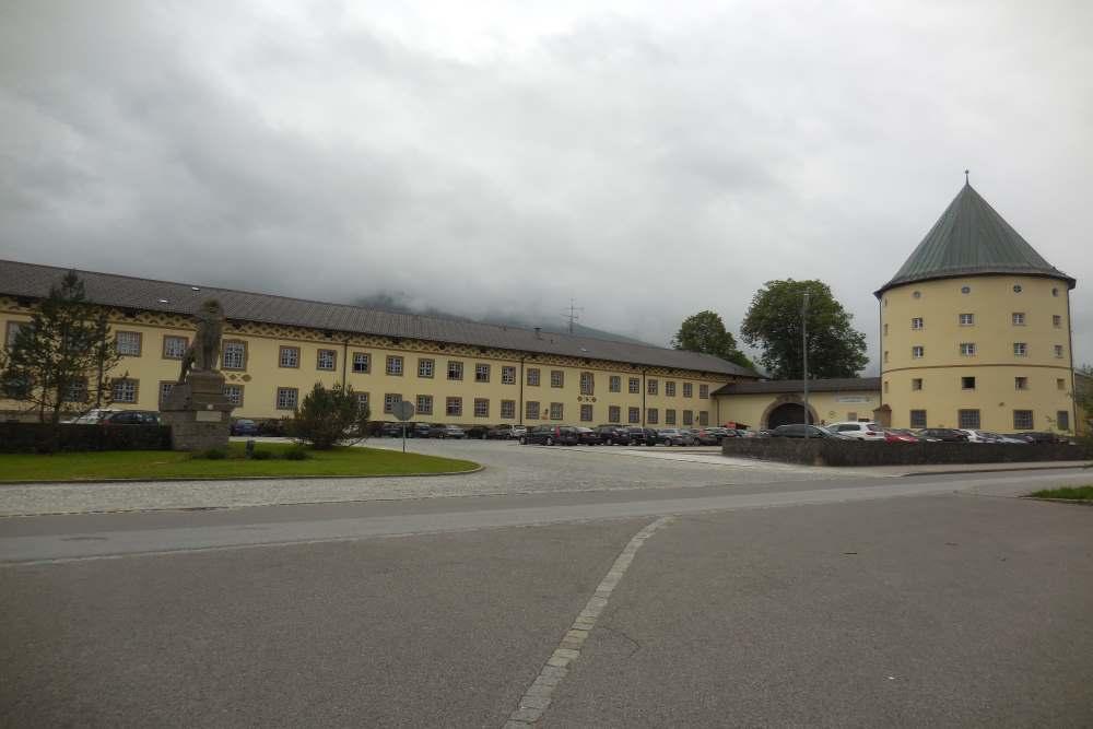 Adolf-Hitler-Kaserne - Gebirgsjäger-Kaserne