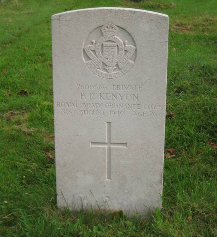 Commonwealth War Grave St. Helen Churchyard