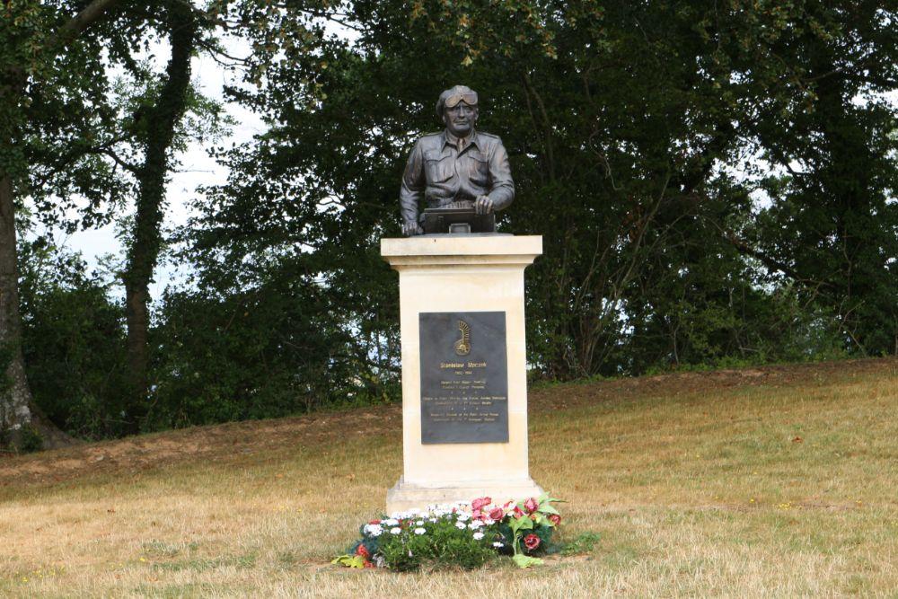 Buste van Generaal Stanisław Maczek