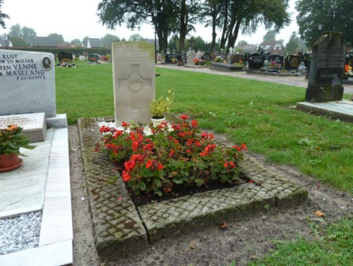 Commonwealth War Grave Roman Catholic Cemetery Losser