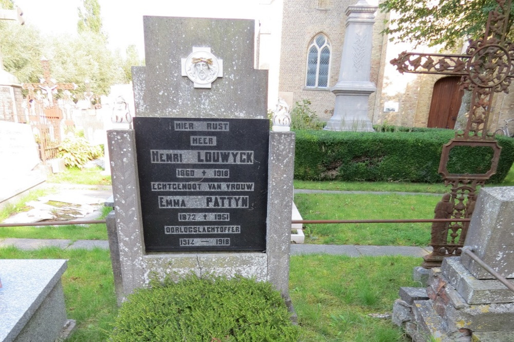 Belgische Oorlogsgraven Kerkhof Bulskamp