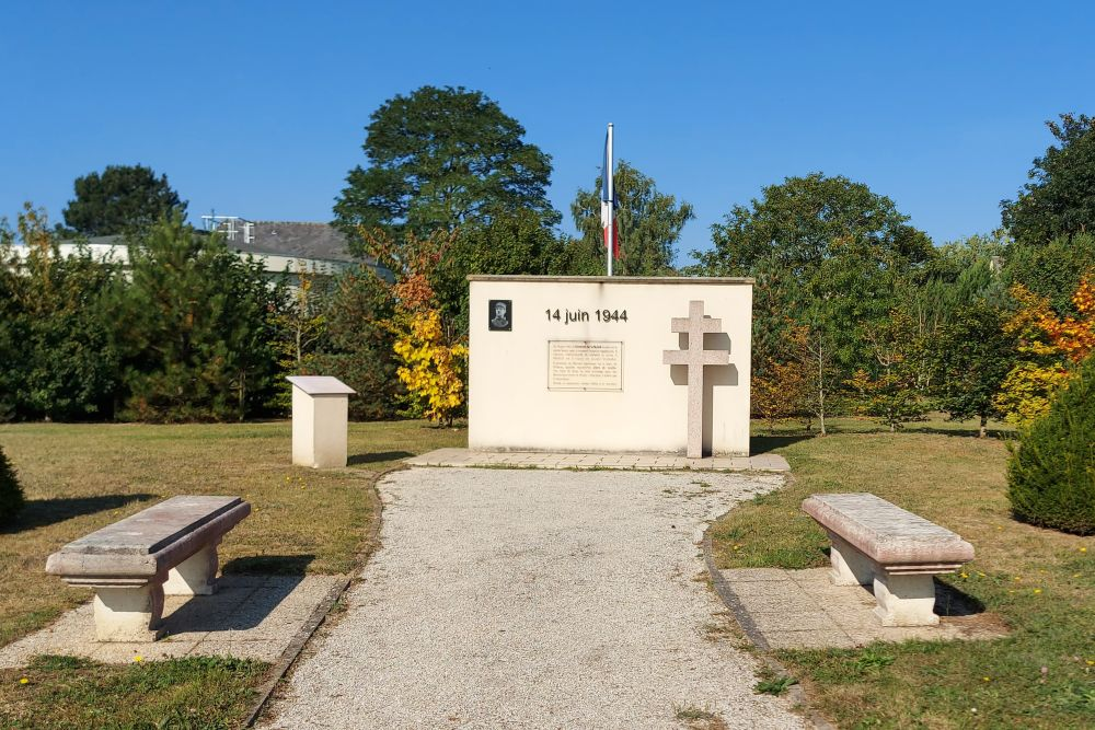 Monument Charles de Gaulle Saint-Vigor-le-Grand