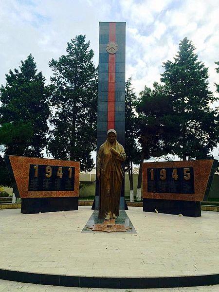 Monument Tweede Wereldoorlog Khirdalan