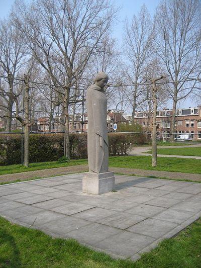 Monument Treurende Vrouw