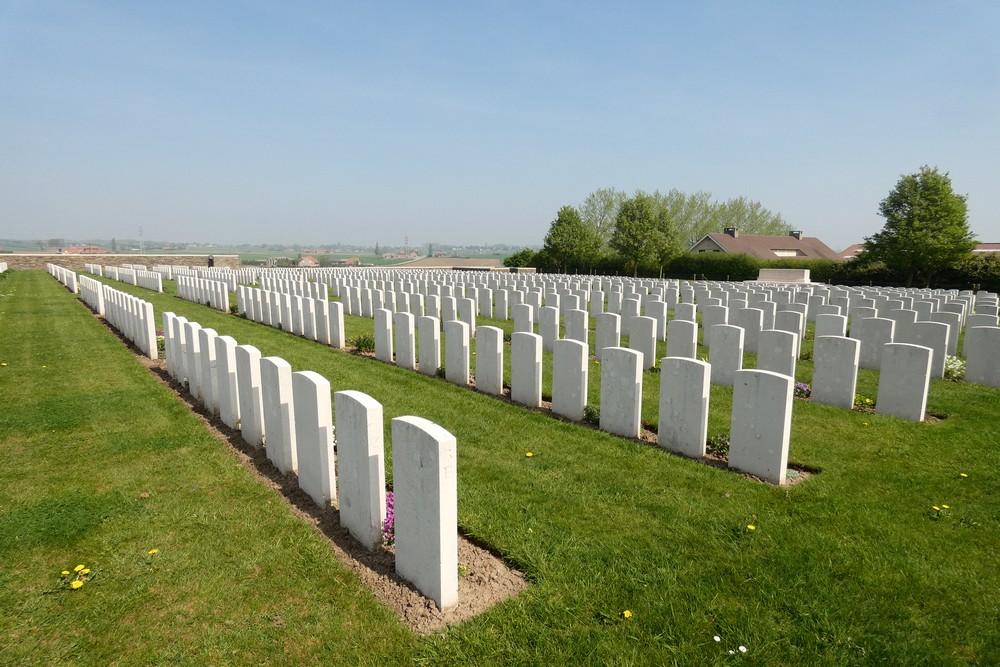 Commonwealth War Cemetery Zandvoorde