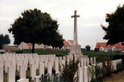 Oorlogsgraven van het Gemenebest Athies Extension