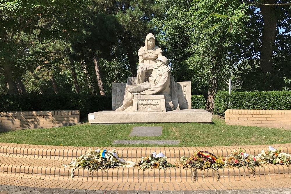 War Memorial Oostduinkerke