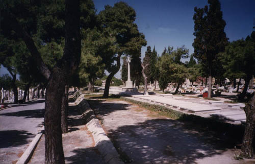 Commonwealth War Graves Addolorata