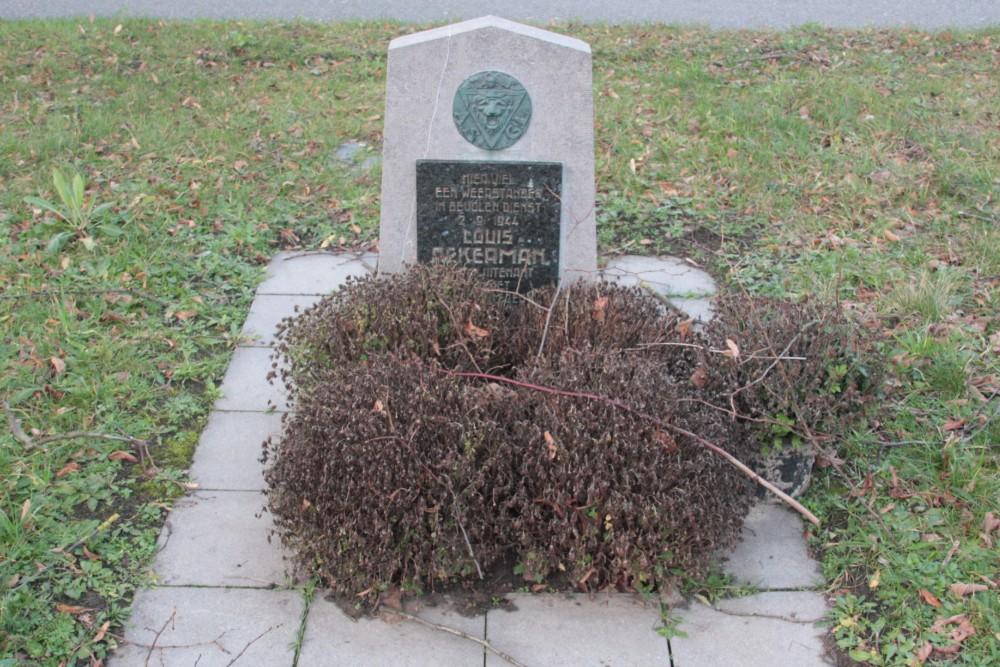 Monument Louis Ackerman