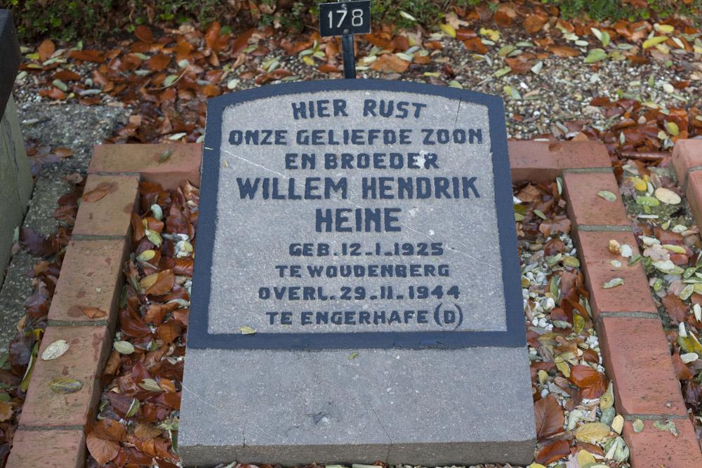 Nederlandse Oorlogsgraven Algemene Begraafplaats Woudenberg