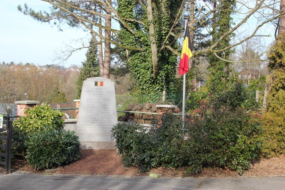 Oorlogsmonument Begraafplaats Bourgeois