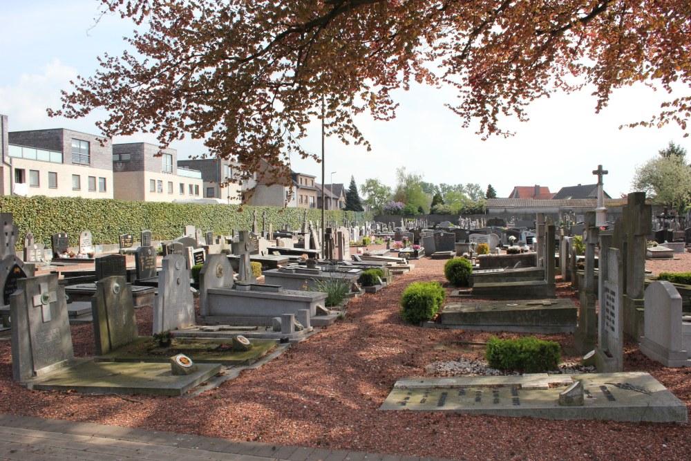 Graven Oudstrijders Oude Begraafplaats Lanklaar