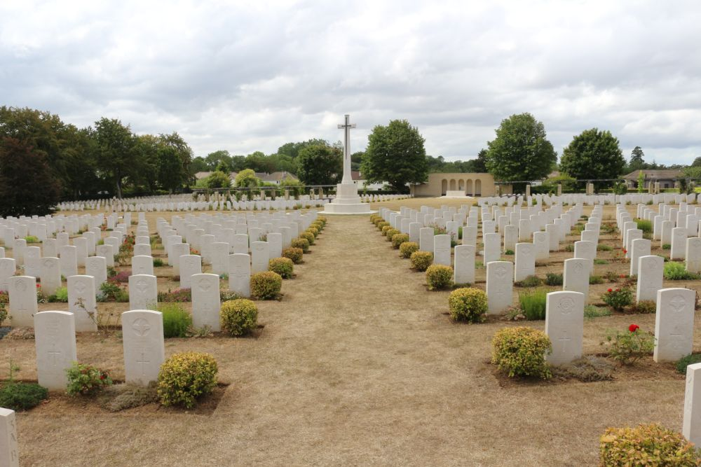 Commonwealth War Cemetery Ranville