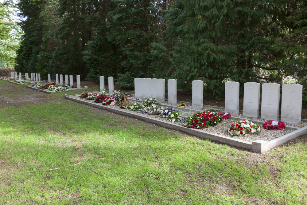 Commonwealth War Graves General Cemetery Moscowa Arnhem