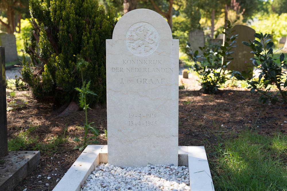 Nederlandse Oorlogsgraven Nieuwe Algemene Begraafplaats Heerde