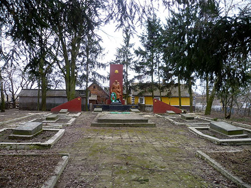 Sovjet Oorlogsbegraafplaats Zaturtsi