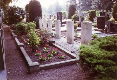 Commonwealth War Graves Maasbree