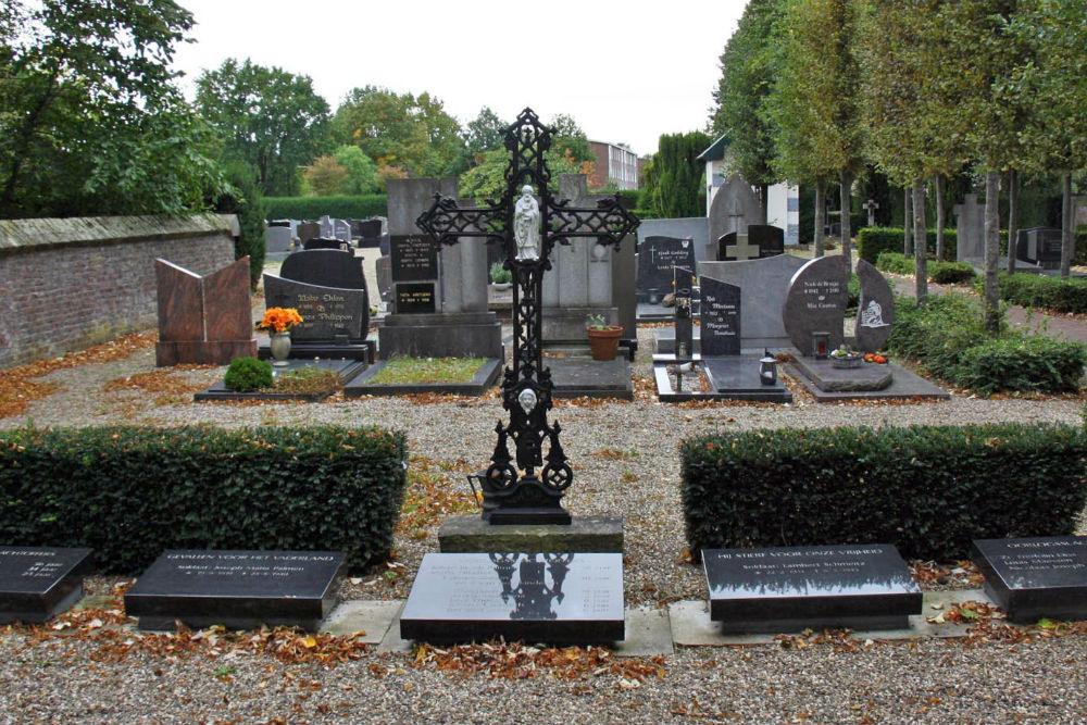 Nederlandse Oorlogsgraven Rooms Katholieke Begraafplaats Broeksittard