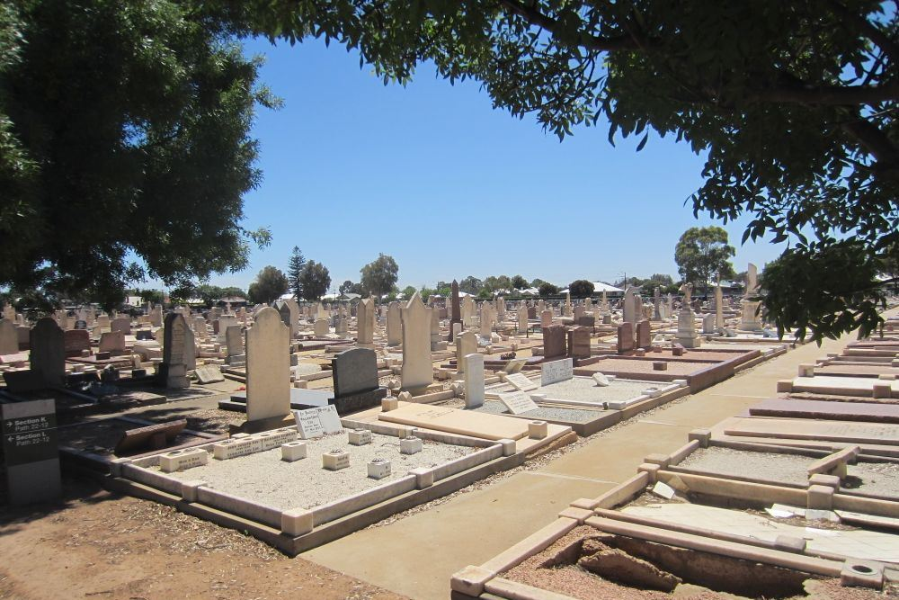 Commonwealth War Graves Port Adelaide and Suburban Cemetery