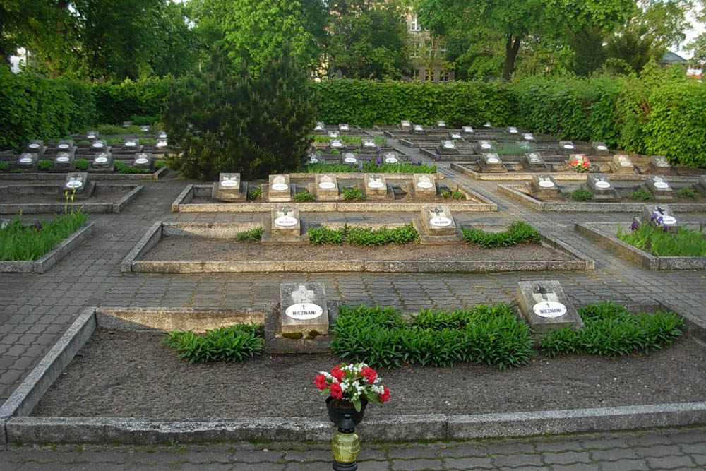Poolse Oorlogsgraven Cmentarz Komunalny 1939-1945