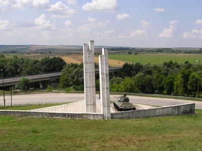 Liberation Memorial (T-34/85 Tank) Kéménd