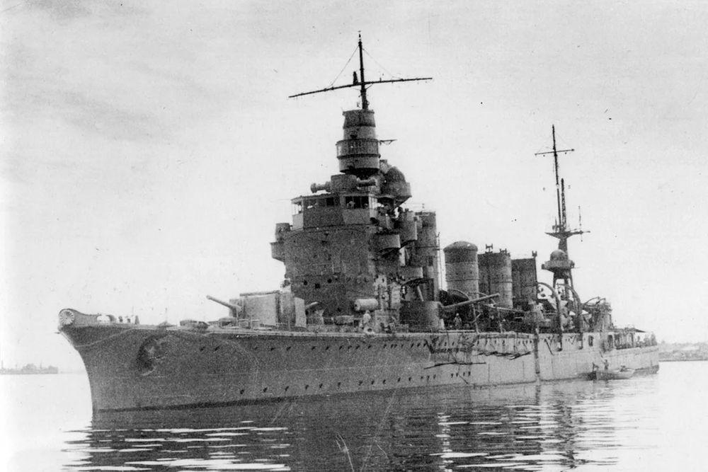 Japanse Lichte-kruiser Naka (1925)