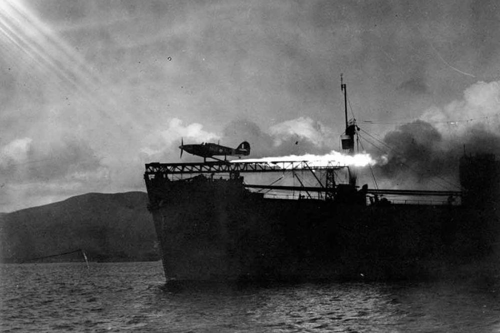 Britse Fighter Catapult Ship HMS Maplin (F107)