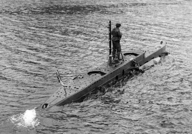 Operatie Source: Britse minionderzeeërs versus Duits slagschip