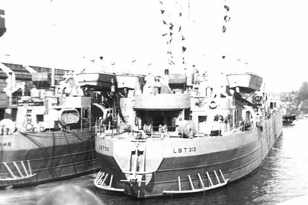 Amerikaanse Landing Ship Tank USS LST-313 (LST-313)