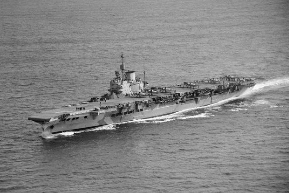 Britse Vliegdekschip HMS Victorious (38)
