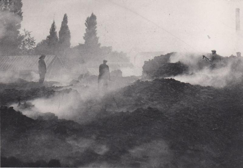 Ervaringen uit de oorlogsjaren van werknemers van De Vlisco, textielfabriek in Helmond