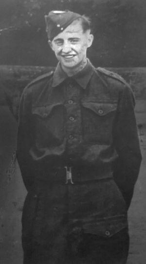 Verslag van de begrafenis van soldaat A.H.W. Harrison (09-05-1945)
