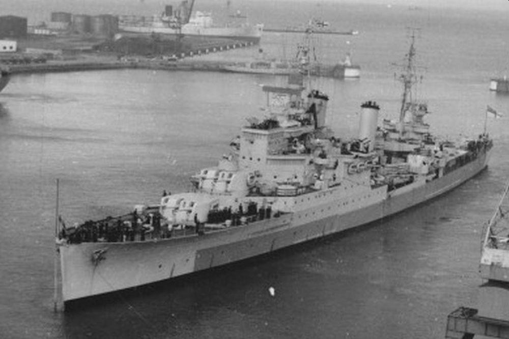 Britse Lichte-kruiser HMS Birmingham (19)