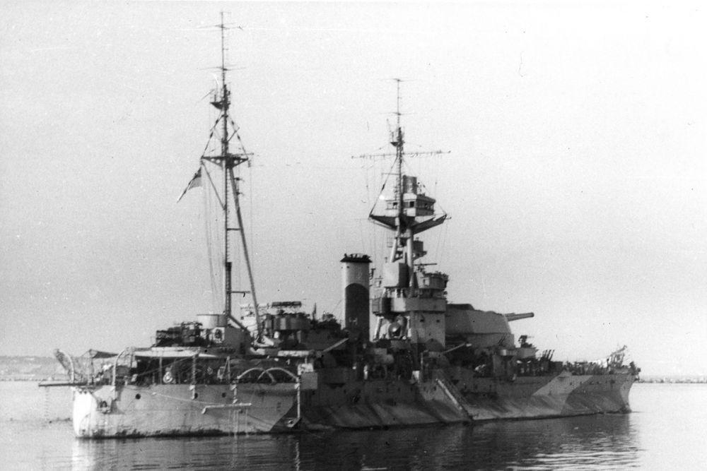 Britse Monitor HMS Roberts (F40)