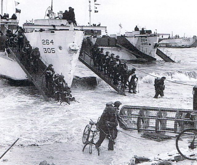 Landings on Gold Beach