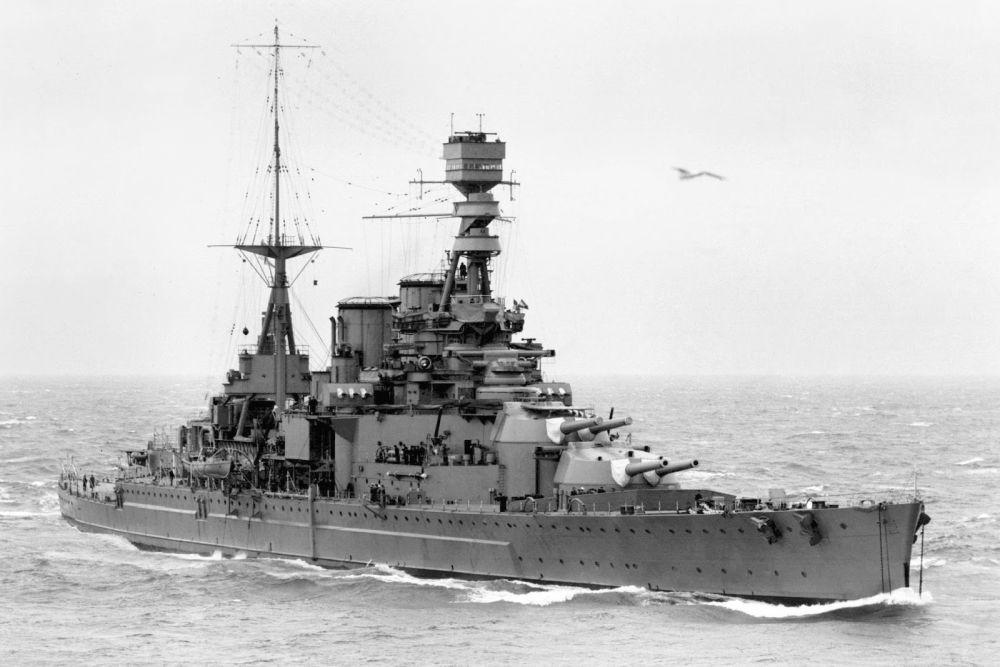 Britse Slagkruiser HMS Repulse (34)