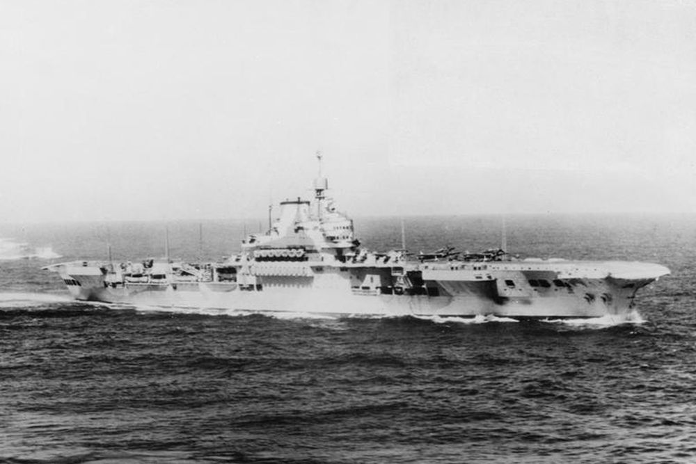 Britse Vliegdekschip HMS Formidable (67)