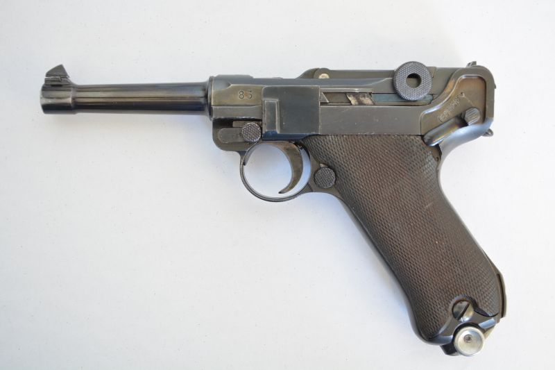 Luger P08, pistool