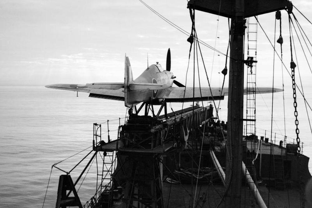 Britse Catapult Aircraft Merchant Ships