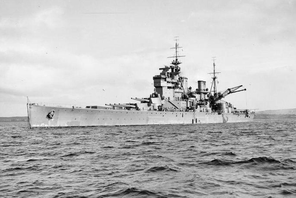 Britse Slagschip HMS Prince of Wales (53)